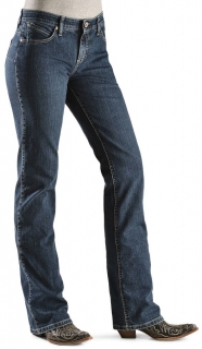 Wrangler Women's Cowgirl Cut Booty Up Ultimate Riding Q-Baby Jeans